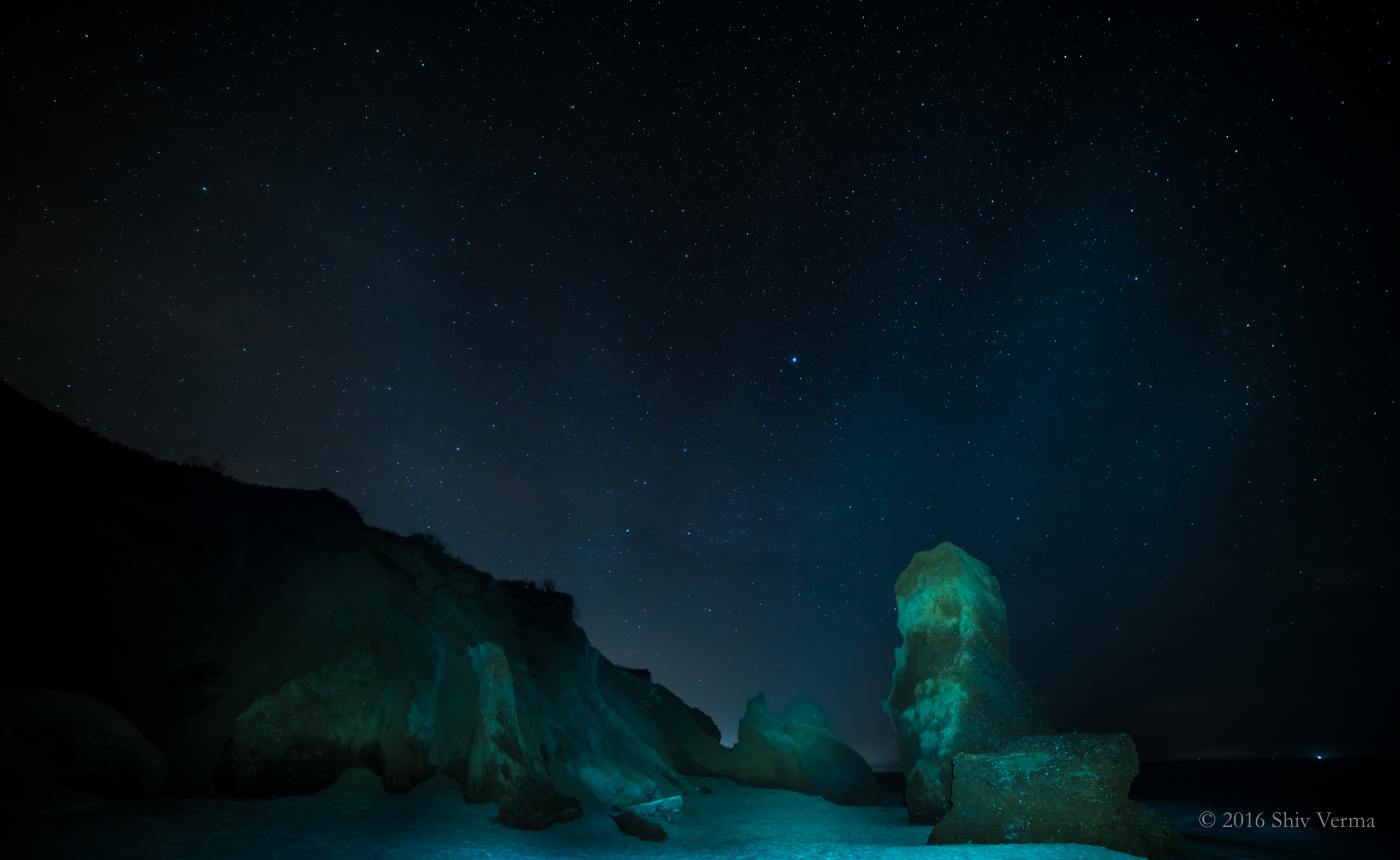 The Night Sky at Lucy Vincent Beach. 14mm, Exposure Triad ISO 1250, f/2.8, 20 sec